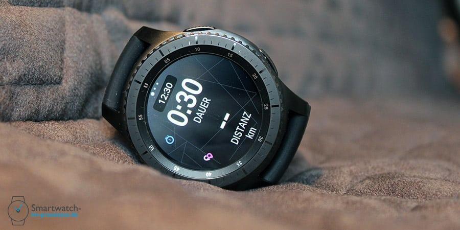 Lange haben Fitness-Fans darauf gewartet, nun ist die Samsung Gear S3 Endomondo App endlich verfügbar. Auch Map My Run und MyFitnessPal könnten nun downgeloaded werden.