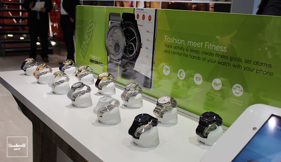 Guess_Hybrid_Smartwatches_1